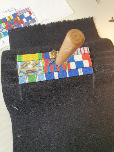 Montage de barrettes de décoration - prepa pose agrafe