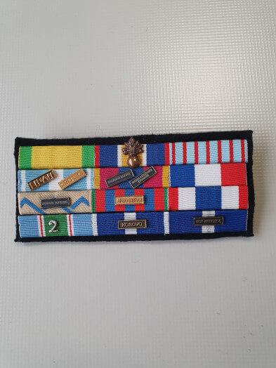 Montage de barrettes de décoration militaire - dixmude nouveau
