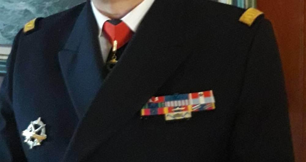 Exemple du port de 2 médailles défense nationale or avec citation sans croix et une médaille defnat or classique