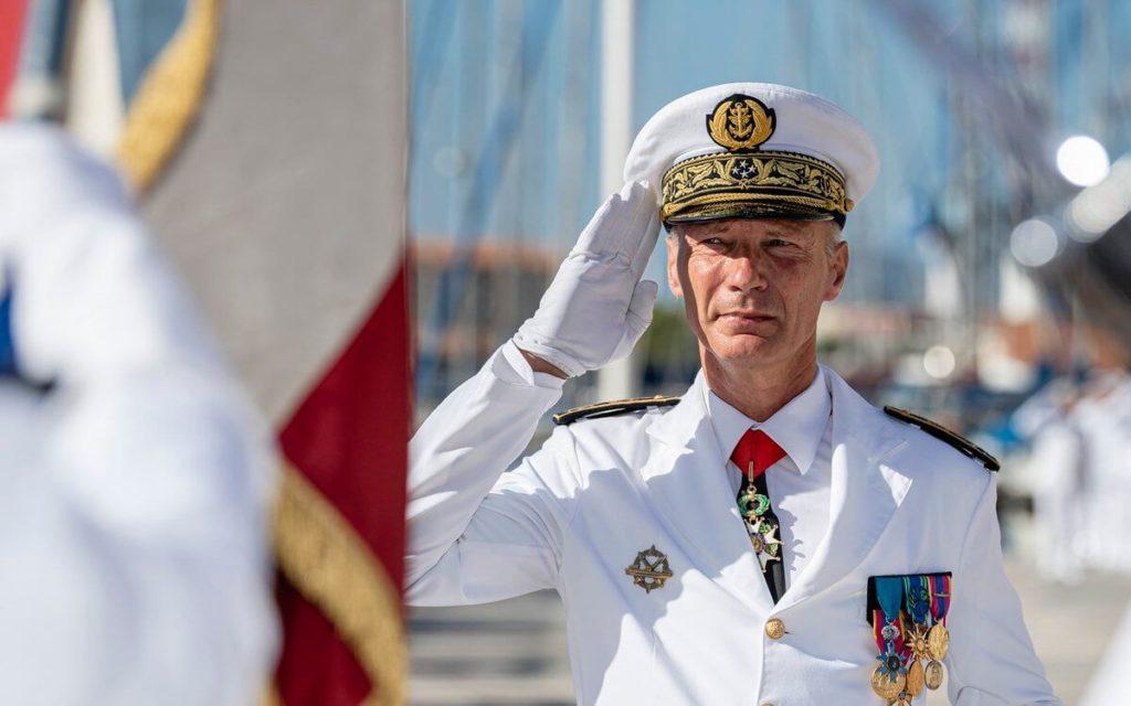 port d'une légion d'honneur sautoir commandeur avec un montage de médailles pendantes