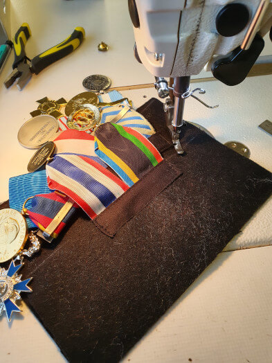 11 couture bords montage medailles pendantes
